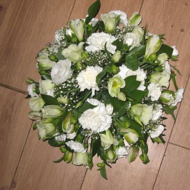 White posy arrangement